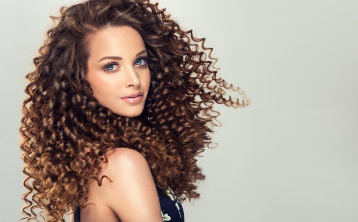 Amazing Haircuts For the Girls With Curls